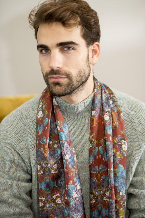 Roest silk wool shawl for men.