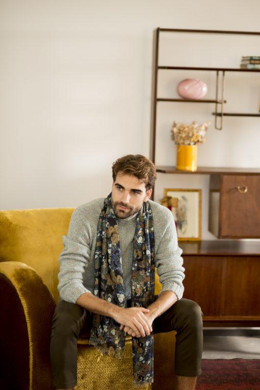 Nuit silk wool shawl for men.