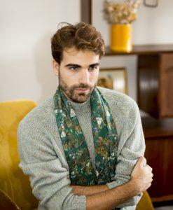 Verte silk wool shawl for men.